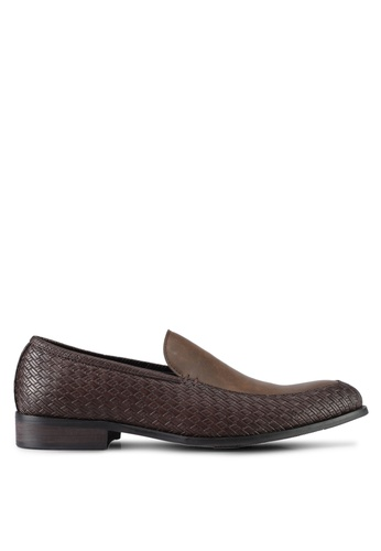 ZALORA brown Textured Slip On Dress Shoes A6393SH3EB6A5CGS_1