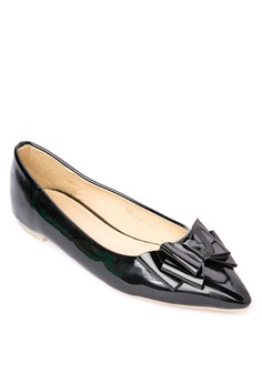 Pointed Pumps w/ Bow