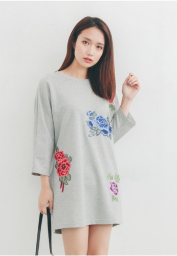 Shopsfashion grey Floral Patch Sport Dress SH656AA87PGISG_1
