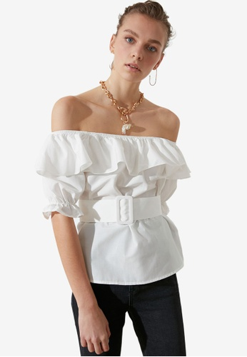 Trendyol white Ruffle Off Shoulder Belted Top 802DCAABE7E08FGS_1
