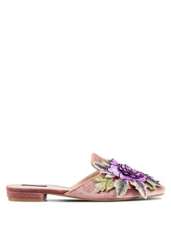 ZALORA pink Embroiderered Flower Flats 8DA73SHCACA024GS_1