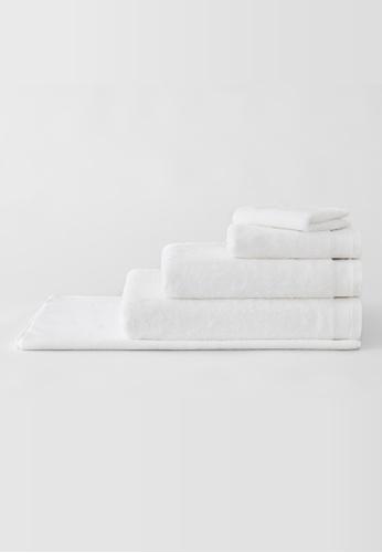 Sheridan white Supersoft Luxury White Hand Towel (1 piece) 7A3BCHLDDCA041GS_1