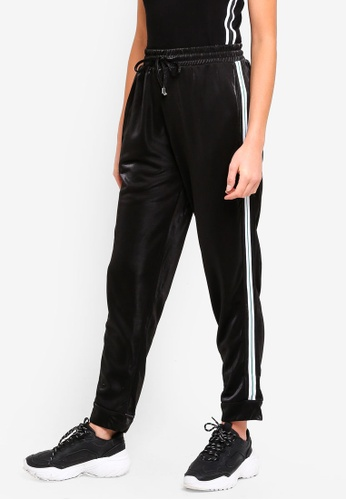 Brave Soul black Jogging Pants With Side Stripe E518EAAEFDEE50GS_1