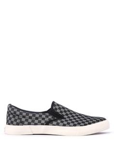 Mandate Sneakers