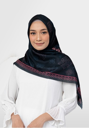 Authentism.id black Exclusive Scarf Collection - Candice Series - LAILA 7EB7EAA1A24688GS_1