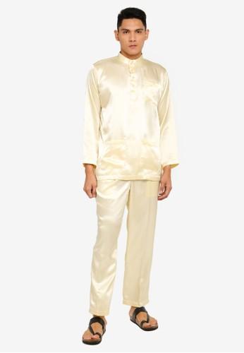 Gene Martino beige Tradisional Baju Melayu 301FEAAB7F0808GS_1