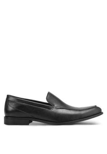 ZALORA black Faux Leather Slip On Dress Shoes 91155SHB8EF76BGS_1