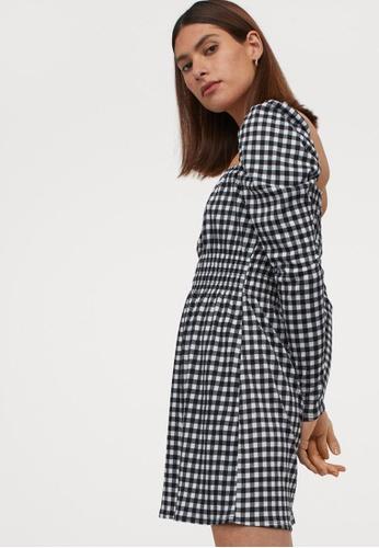H&M black Short Puff-Sleeved Dress 88ECDAAAE6618AGS_1