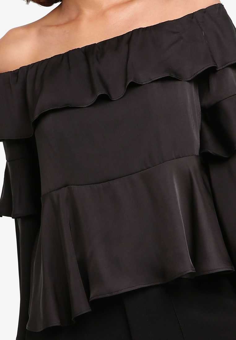 Shoulder Preen amp; Black Top Proper Peplum Off Bell Sleeve qqtrfn