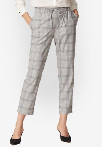 LC Waikiki grey Elastic Waist Carrot Fit Trousers 41CFEAADFA36ADGS_1