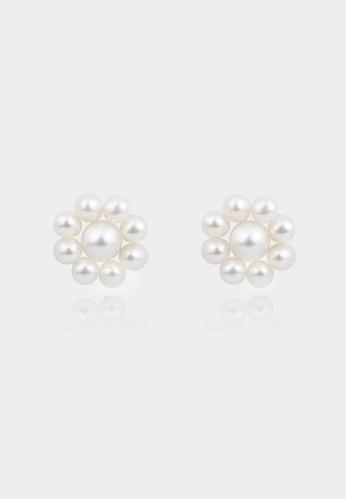monojewelry FLOWERY PEARL STUDS E7651ACDEC3CE9GS_1