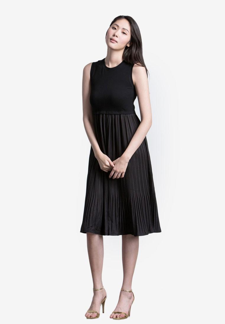 Elegant Pleated Midi Dress