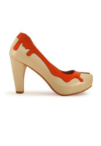 Gripz beige Splashy Round Toe Lamb Leather Heels F74C1SH68C4495GS_1