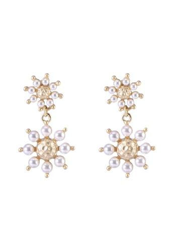 Red's Revenge white Pearl Studded Stars Dangle Earrings F1FA0AC7D54DE6GS_1