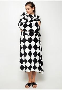 Bleeves (Blanket + Sleeves) Checkers