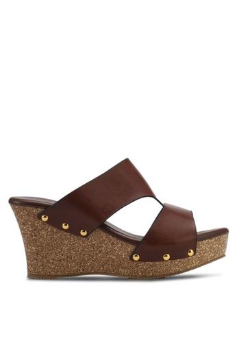 Spiffy brown Fashion Ladies Slip On Wedges SP352SH0SRX6MY_1