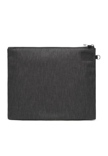 Pacsafe grey Pacsafe RFIDsafe RFID Blocking Large Travel Pouch (Carbon) 995B0ACF932794GS_1
