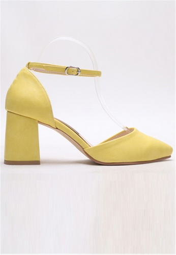 Crystal Korea Fashion yellow South Korea Made Wild Pointed Sharp Thick Heel Shoes 3BCD1SHE20D458GS_1