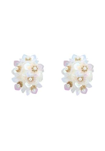 Red's Revenge white Sequin Flower Cluster Stud Earrings 28E7DAC6A3E4FBGS_1
