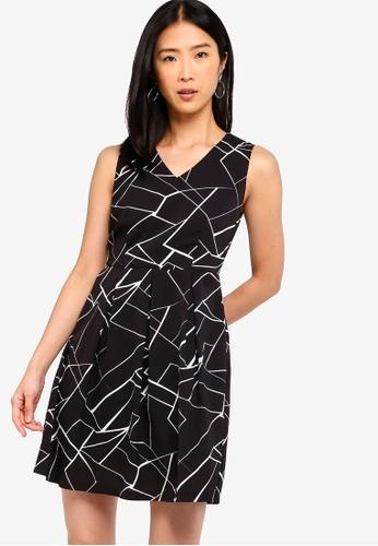ZALORA BASICS black and multi Basic V-Neck Fit And Flare Dress 56CD8AAC9815C8GS_1