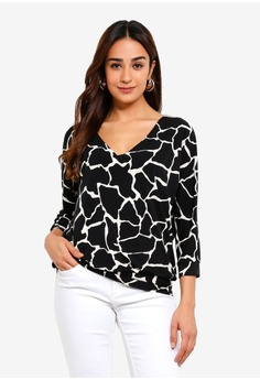 cd159f6cebd Wallis black Petite Black Giraffe Print Top 0B162AAF942D16GS 1