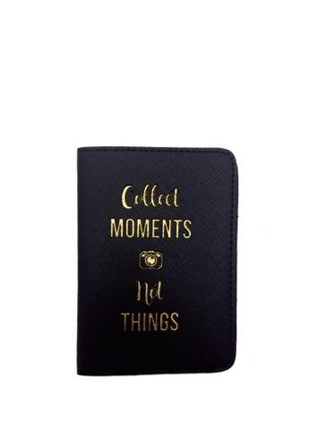 A'postrophe black Collect Moments Passport Holder AP780AC0JRPEPH_1