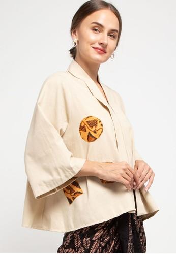 Batik First beige Kebaya Linda Aplikasi-Batik 3AF75AAABF0D25GS_1