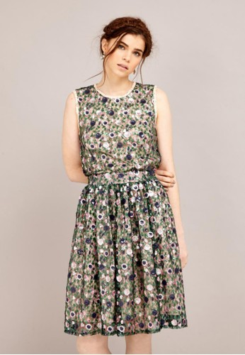 zalora taiwan 時尚購物網鞋子亮片鑲花裙, 服飾, 及膝裙