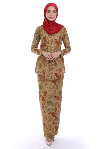 HABRA Kara Kebaya Batik KR29 from HABRA in Brown