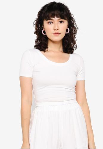 Urban Revivo white Trendy T-Shirt 0C0E3AA3ED4F6EGS_1