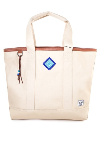 Shop Herschel Mabel Bad Hills Tote Bag Online on ZALORA Philippines 1ad88490ce1ec