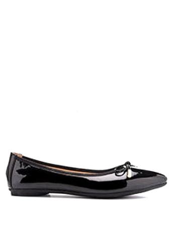 Twenty Eight Shoes 黑色 金屬裝飾蝴蝶結平底鞋 VL102878 A632FSH7D83771GS_1