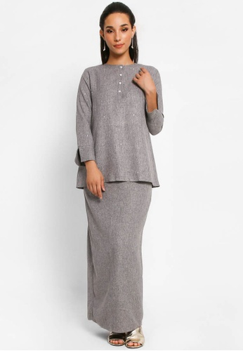 Kurung Nalia in Light Grey from BETTY HARDY in Grey