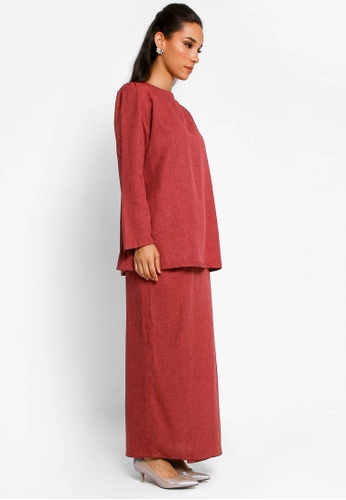 Buy Kurung Lamia in Maroon from BETTY HARDY in Red only 209