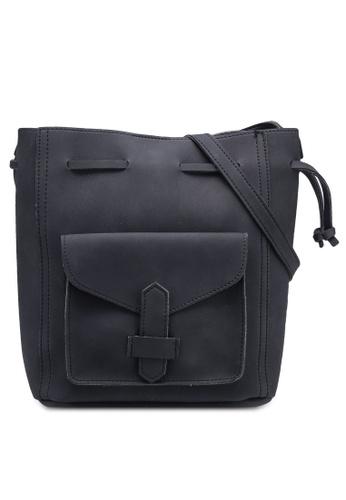 Berrybenka black Kinari Bucket Bag 469EBAC756F48CGS_1
