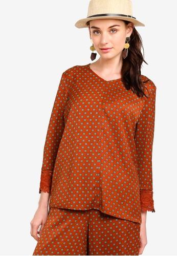 Zalia brown Lace Cuff Top 4CC34AA9950C0EGS_1