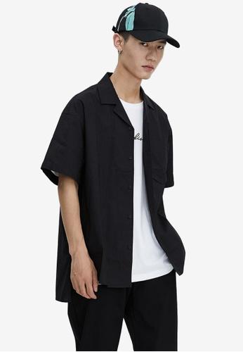 URBAN REVIVO black Relaxed Shirt 86D6FAA8893152GS_1