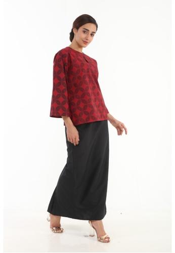 Amar Amran red Kurung Kedah Batik Moden 10686AAD120578GS_1