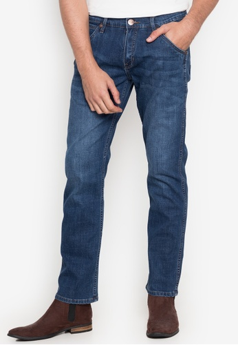 Wrangler blue Crank Low Slim Striaght Basic Five Pocket Jeans with Faded Effect in Blue Medium Wash C0B98AAF69CB39GS_1