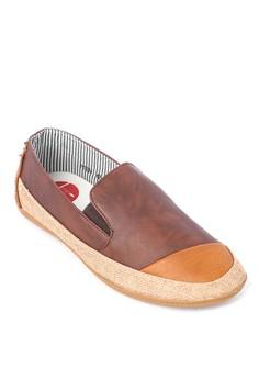 Darryle Sneakers
