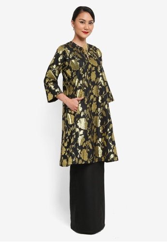 Syomirizwa Gupta for ZALORA black and gold Zaiton Kurung SY518AA0SXLYMY_1