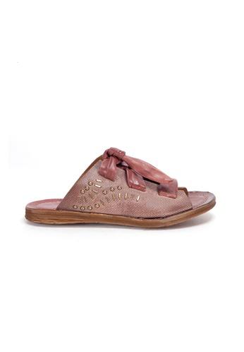 Shu Talk 粉紅色 A.S.98 復古洗水真皮綁紮設計耶穌涼款涼鞋 A50DBSH43F66B6GS_1