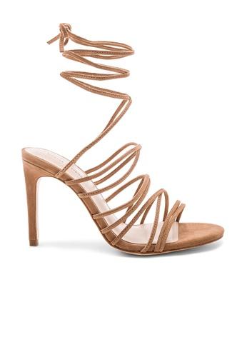 Chrissy Teigen beige and brown x REVOLVE Landon Heel B859ESH89A668FGS_1