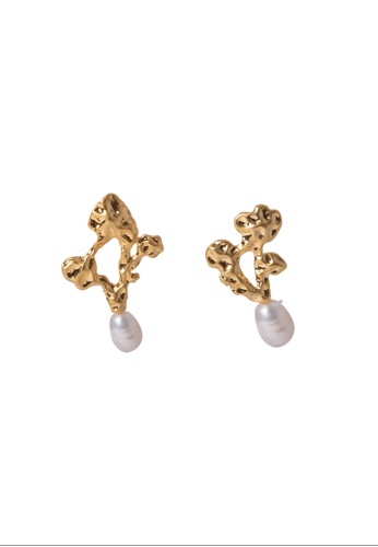 SKEDA gold Coral Pearl Ear Studs 5892AAC2DBC8FBGS_1