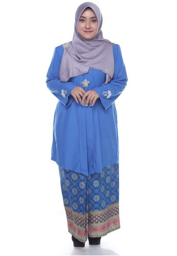 Nayli Plus Size Blue Kebaya Labuh from Nayli in Blue and Gold