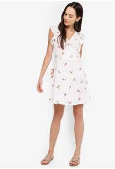 457e23b5b641f 17% OFF Something Borrowed Flutter Sleeves Fit And Flare Dress S$ 34.90 NOW  S$ 28.90 Sizes XS S M L XL