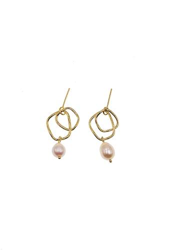 CINDERTOELLA gold Louise Freshwater Pearl Twisted Design Dangling Earrings 1B06DACBD75EB0GS_1