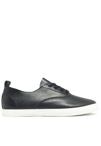 Twenty Eight Shoes 黑色 柔軟仿皮平底鞋 6961 TW446SH44WITHK_1