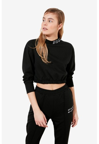 Trendyol black Embroidered Neck Crop Sweatshirt D50A2AA5FAC60AGS_1
