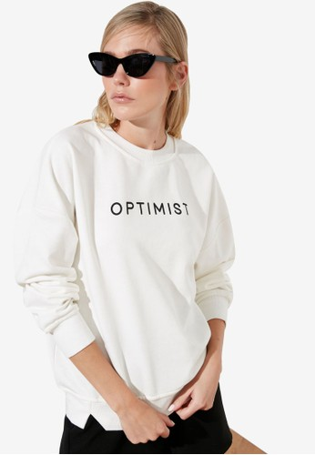Trendyol white Tagline Print Basic Sweatshirt 66983AA28818FEGS_1